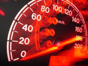 böter för fortkörning